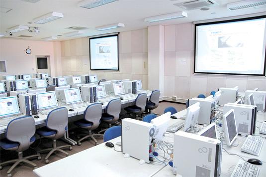 コンピュータ実習室/本館3階